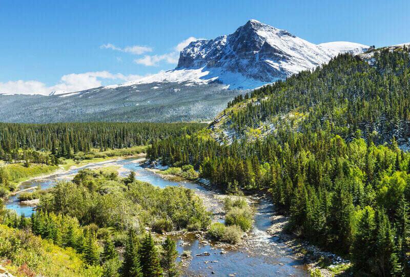 Glacier National Park, Montana's stunning vistas minutes away from Glacier National Park