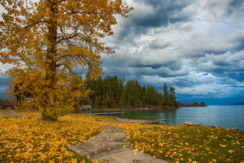 Somers fishing place during autumn in Montana